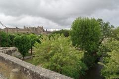 Blick zur Burg von der alten Brücke