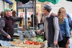 Auf dem Markt in Carcassonne