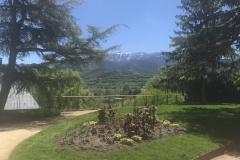 Im Park, Blick auf die Berge