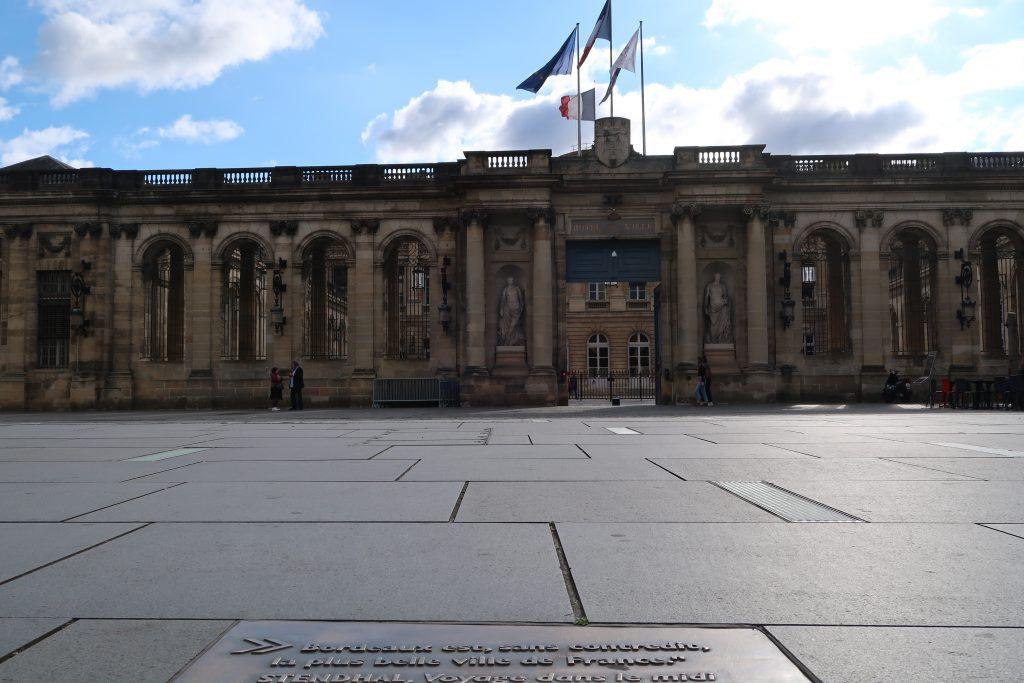 """""""Bordeaux est, sans contredit, la plus belle ville de France"""""""